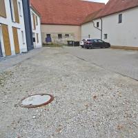 Hof und Parkplatz Vogtsreichenbacher Str. 2
